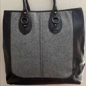 Flat and leather tote